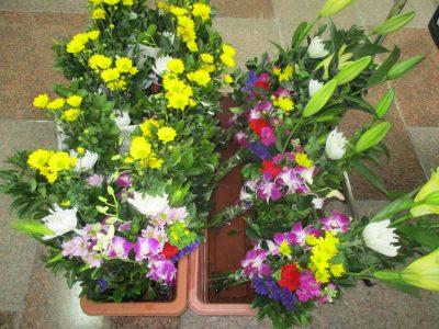 お彼岸用お花販売しております。
